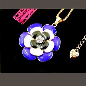 New Betesy Johnson flower necklace